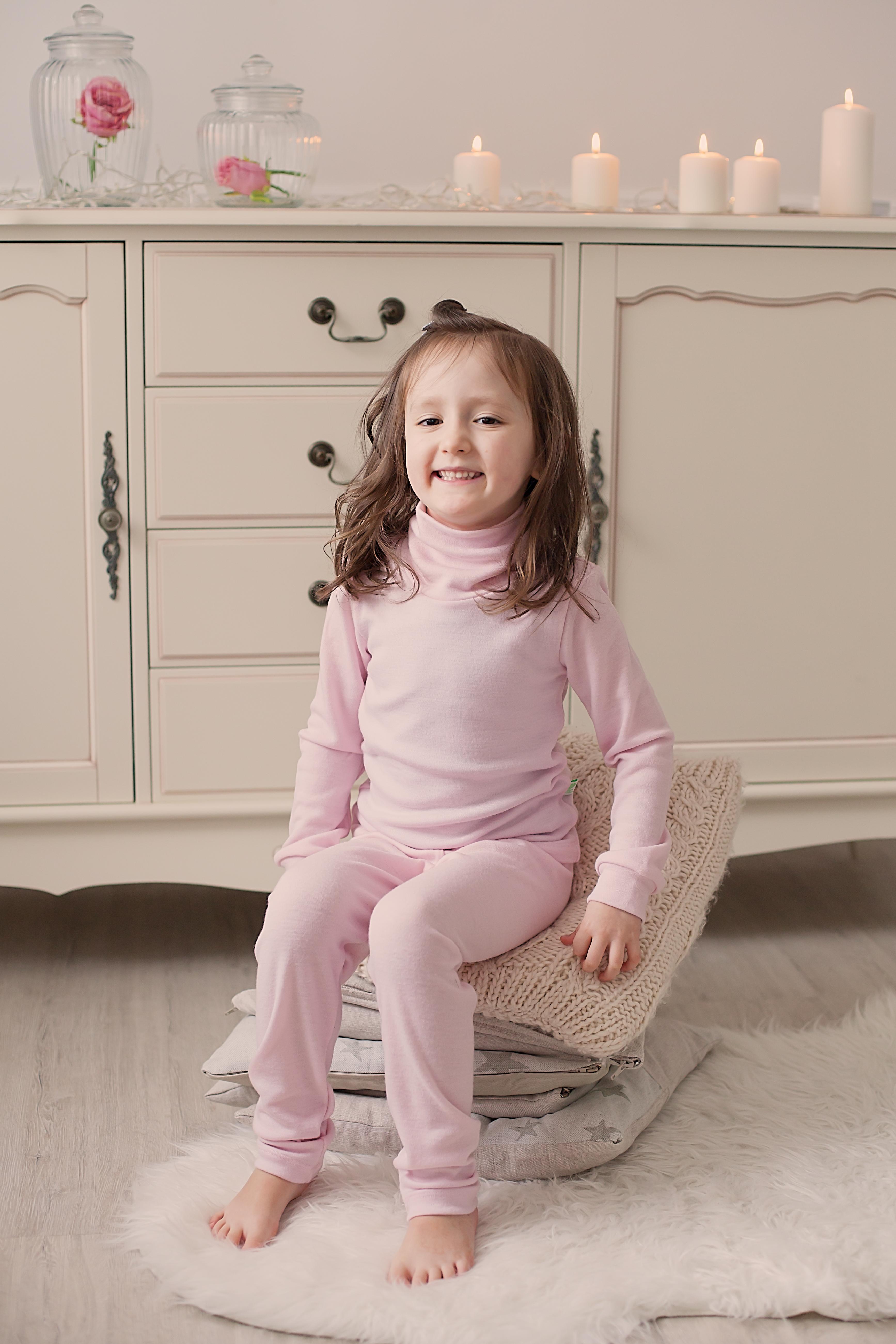2105a235 Rosa pologenser i merinoull for barn - handel123.no